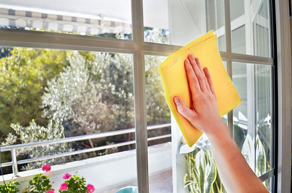 Металлопластиковые окна: уход за стеклопакетом и фурнитурой